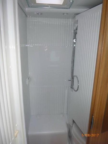 wohnmobil carado t 132 bett mit rausfallschutz f r kinder und lattenrost freizeitmobile gerhold. Black Bedroom Furniture Sets. Home Design Ideas